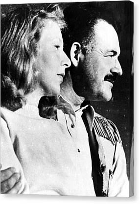 Martha Gellhorn And Ernest Hemingway Canvas Print by Everett