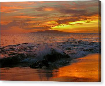 Canvas Print featuring the photograph Maui Sunset Reflections by Stephen  Vecchiotti