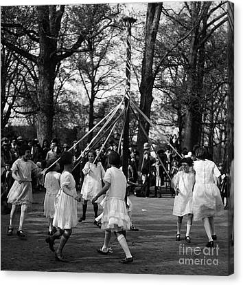 Ewing Canvas Print - Maypole Dance, 1924 by Science Source