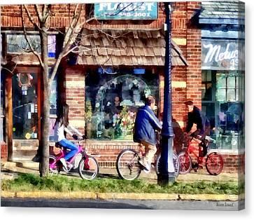 Metuchen Nj - Bicyclists On Main Street Canvas Print by Susan Savad