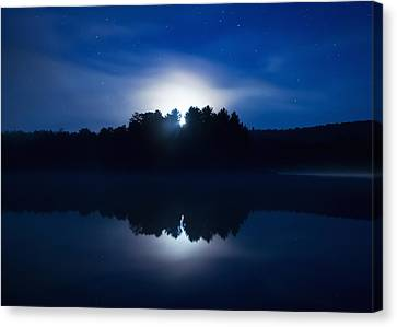 Mew Lake Moonset Canvas Print by Cale Best