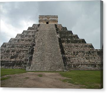 Mexico Chichen Itza Canvas Print by Dianne Levy