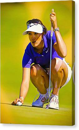Michelle Wie Lines Up Her Putt  Canvas Print