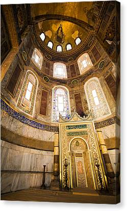 Mihrab In The Hagia Sophia Canvas Print by Artur Bogacki