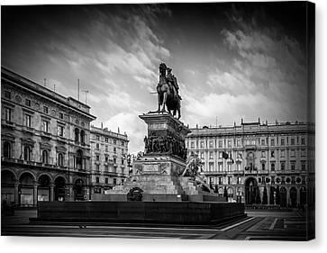 Milan Monument Of Vittorio Emanuele II Canvas Print by Melanie Viola