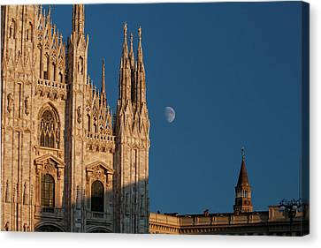 Milano Moonrise Canvas Print by Art Ferrier