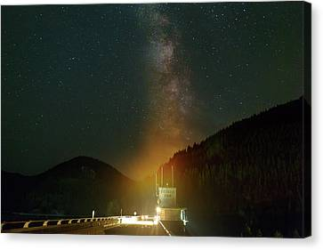 Canvas Print - Milky Way Over Detroit Dam by David Gn