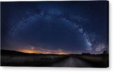 Milky Way Over Sheandoah Canvas Print by Shan Huang