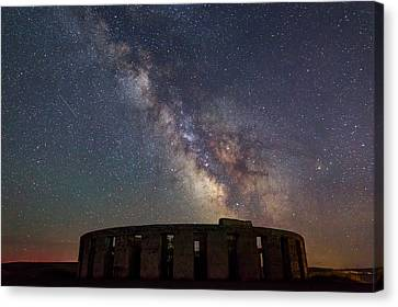 Canvas Print featuring the photograph Milky Way Over Stonehendge by Cat Connor