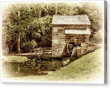 Mill At Cuttalossa Farm Canvas Print by Carolyn Derstine