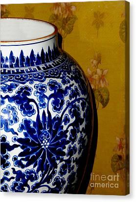 Ming Vase Canvas Print