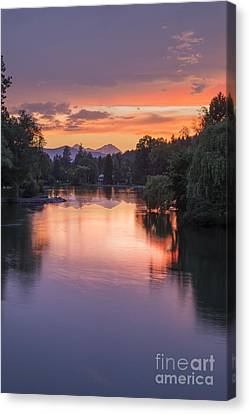 Mirror Pond Sunset In Summer Canvas Print by Twenty Two North Photography
