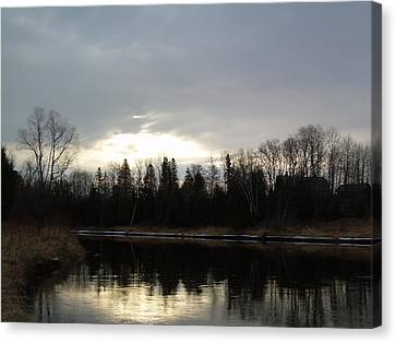Canvas Print featuring the photograph Mississippi River Dawn Clouds by Kent Lorentzen
