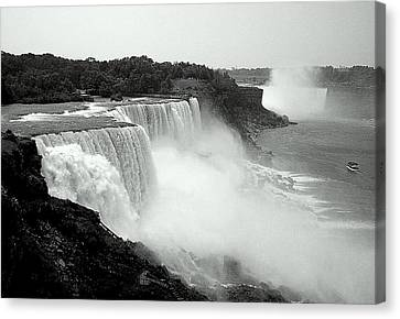Mistical Niagara Falls Canvas Print