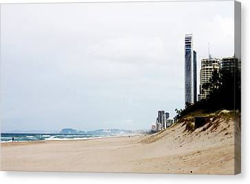 Misty Gold Coast Beach Canvas Print by Susan Vineyard