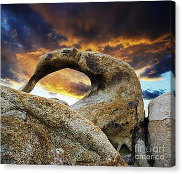 Canvas Print featuring the photograph Mobious Arch California 7 by Bob Christopher