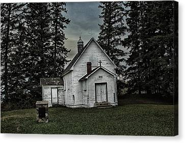 Canvas Print featuring the photograph Mohilla Church by Ryan Crouse