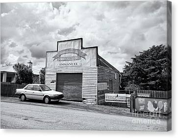Canvas Print featuring the photograph Monegeetta Produce Store by Linda Lees