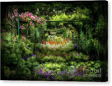 Monet's Lush Trellis Garden In Giverny, France Canvas Print