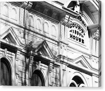 Mono County Courthouse Bridgeport Ca Canvas Print by Troy Montemayor