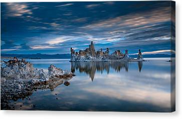 Mono Lake Tufas Canvas Print by Ralph Vazquez