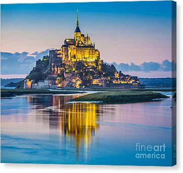 Mont Saint-michel In Twilight Canvas Print by JR Photography