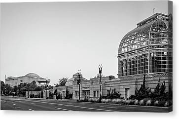 Canvas Print featuring the photograph Monument Museum And Garden In Black And White by Greg Mimbs