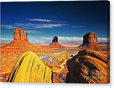 Monument Valley Mittens Utah Usa Canvas Print by Sam Antonio