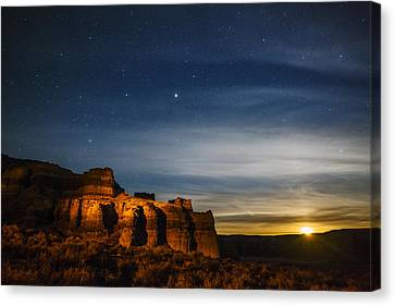 Moon Rise At Pillars Of Rome, Oregon, Usa Canvas Print by Vishwanath Bhat