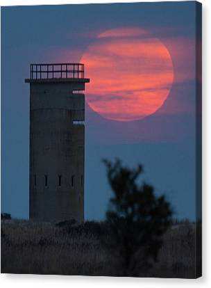 Canvas Print featuring the photograph Moonrise At Gordons Pond by Robert Pilkington