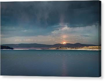 Canvas Print featuring the photograph Moonrise At Mono Lake by Alexander Kunz