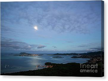 Moonrise Over Kaneohe Bay Canvas Print by Charmian Vistaunet