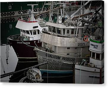 Moored Canvas Print by Randy Hall