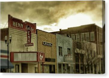 Canvas Print featuring the photograph Morning Henn by Greg Mimbs