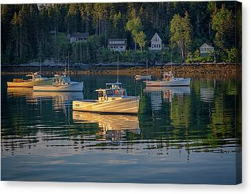 Canvas Print featuring the photograph Morning In Tenants Harbor by Rick Berk