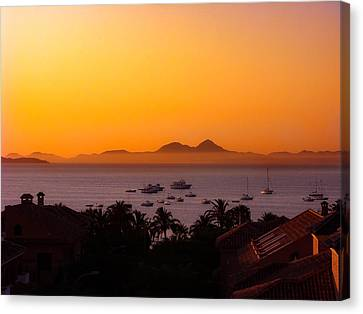 Canvas Print featuring the photograph Morning Mist by Scott Carruthers