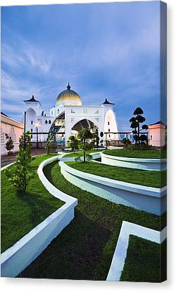 Canvas Print featuring the photograph Mosque In Malaysia by Ng Hock How