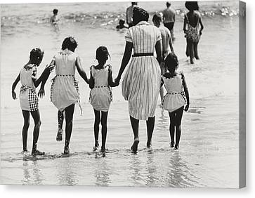 Mother And Four Daughters Entering Water At Coney Island Canvas Print