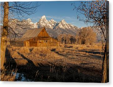 Canvas Print featuring the photograph Moulton Barn by Gary Lengyel