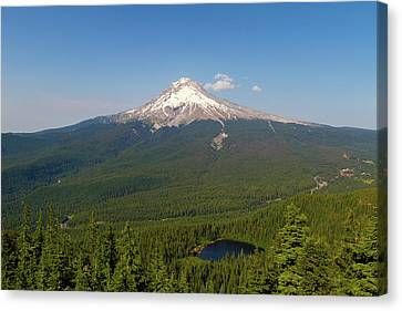 Mount Hood Over Mirror Lake Canvas Print by David Gn