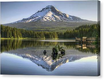 Mount Hood Reflection On Trillium Lake Canvas Print by David Gn