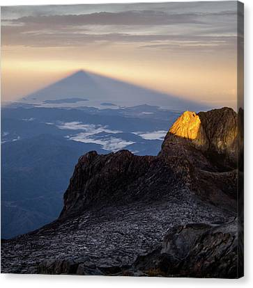 Mount Kinabalu Sunrise Canvas Print by Dave Bowman
