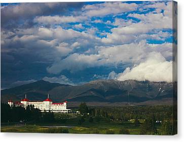 Mount Washington And The Presidential Mountain Range Of New Hampshire Canvas Print