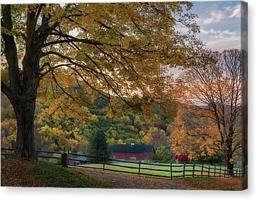 Mountain Barn Canvas Print by Bill Wakeley