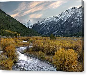 Mountain Grandeur Canvas Print by Leland D Howard