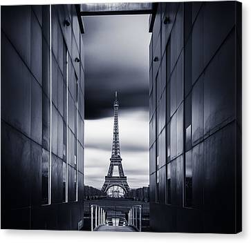 Mrs Eiffel Canvas Print by Charly Lataste