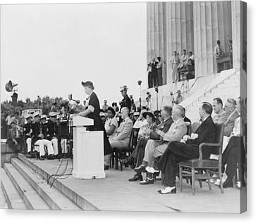 Mrs. Eleanor Roosevelt Addressing Canvas Print by Everett