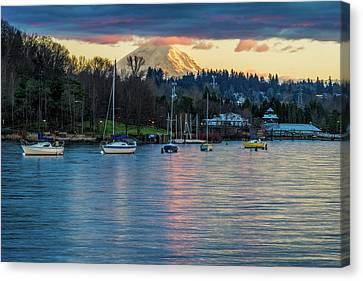 Mt Rainier In View Canvas Print