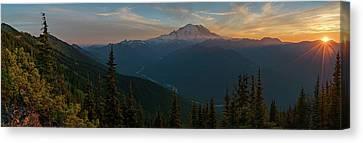 Mt Rainier Sunset Glow Canvas Print