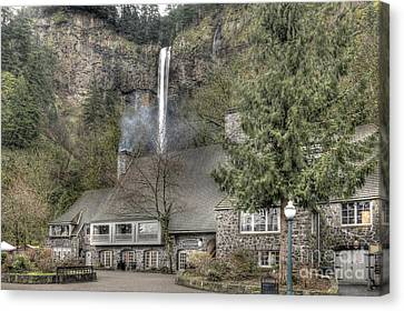 Multnomah Falls Lodge And Restaurant Columbia River Gorge Oregon Canvas Print